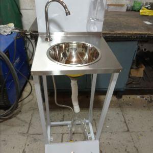 Lavamanos Basico con Dispensador de Jabón en Acero Inoxidable 304